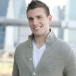 Chris_Distefano_posing_for_picture_2013-11-25_12-55